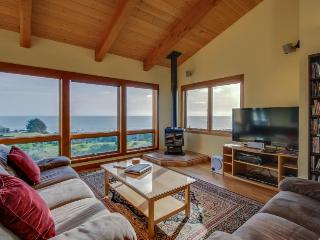 A private hot tub, ocean views & close to Pebble Beach! - Sea Ranch vacation rentals