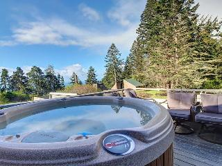 Comfortable hillside home w/ hot tub, near forest trails - Sea Ranch vacation rentals