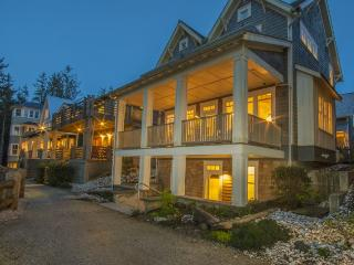 Nantucket House with carriage house - Oceanfront - Pacific Beach vacation rentals