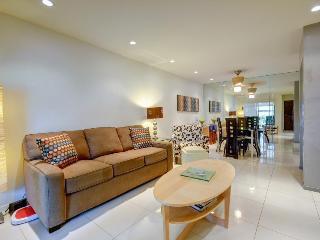 Ground-floor, convenient retreat w/pool & hot tub, 1 dog ok! - Palm Springs vacation rentals