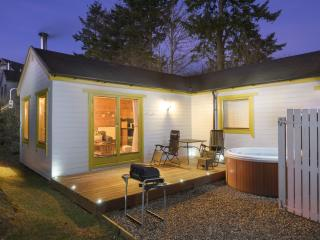 Romantic 1 bedroom Cabin in Pitlochry - Pitlochry vacation rentals