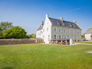 Le Clos de Blisse - Omaha Mansion - Vouilly vacation rentals