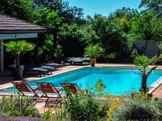 """La Tour du Grillon  -App-""""Le Causse"""" - Gramat vacation rentals"""