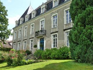 Château XVIIIème a 30Km de Biarritz - Hastingues vacation rentals