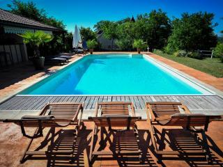 "La Tour du Grillon -II- ""La Vigne"" - Gramat vacation rentals"
