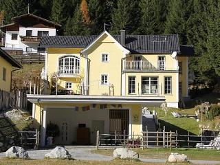 Comfortable House with Internet Access and Dishwasher - Mallnitz vacation rentals
