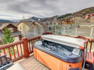 Bear Hollow home w/private hot tub, shared pool, & clubhouse access! - Park City vacation rentals