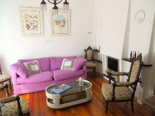 Romantic 1 bedroom Apartment in Ghiffa with Satellite Or Cable TV - Ghiffa vacation rentals