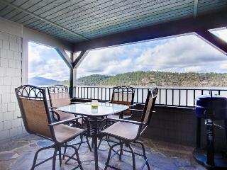Lakefront condo with resort amenities (shared pool!) and marina access! - Harrison vacation rentals