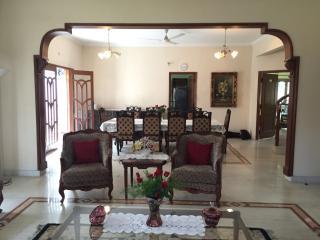 Charming English Villa in Downtown Somajiguda - 5 Bedrooms Ensuite - Hyderabad vacation rentals