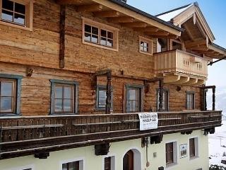 Sunny 2 bedroom Condo in Kaprun - Kaprun vacation rentals