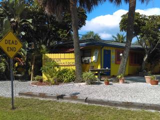 Banana Hammocks Resort Cabana by the Beach! - Fort Pierce vacation rentals
