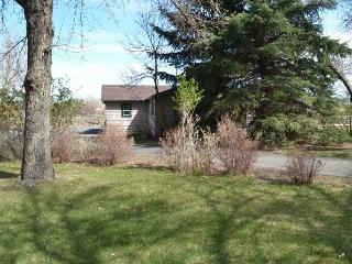 Nice 3 bedroom Cody House with Parking - Cody vacation rentals