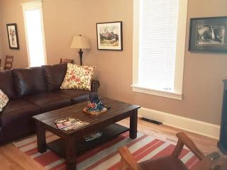 Cozy 2 bedroom House in Cody with DVD Player - Cody vacation rentals
