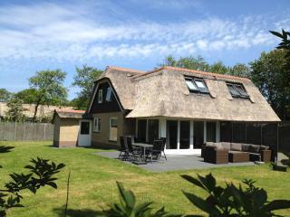 Gezinsvriendelijk luxe vakantiehuis Oerd Ameland - Ballum vacation rentals