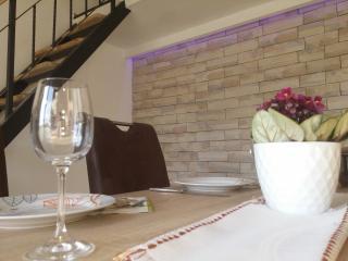 1 bedroom Condo with Internet Access in Supetarska Draga - Supetarska Draga vacation rentals