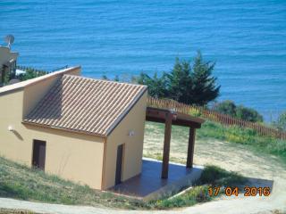 Villa Anna Vittoria on the sea. - Realmonte vacation rentals