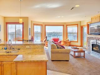 3 bedroom Condo with Internet Access in Westport - Westport vacation rentals