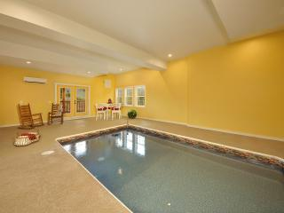 A KING'S PARADISE!  4/5 WITH INDOOR POOL/THEATER - Pigeon Forge vacation rentals
