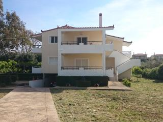 Nice House with Internet Access and A/C - Kiato vacation rentals