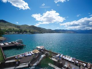 Grandview Lakefront - Groundfloor Sleeps 6 - Chelan vacation rentals