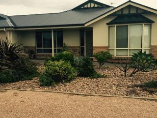 Bright 5 bedroom House in Wallaroo - Wallaroo vacation rentals