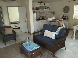 Burlap and Grain 1 Bedroom Coastal Cottage - Ocean Shores vacation rentals