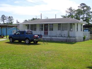Cottage on the ICW- FREE BREAKFAST - Beaufort vacation rentals