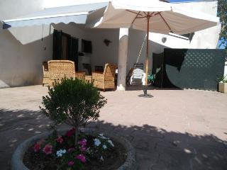 Villetta giorno/notte e Giardino a Torre dell'orso - Torre Dell'Orso vacation rentals