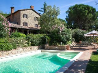 Charming Passignano Sul Trasimeno Villa rental with Hot Tub - Passignano Sul Trasimeno vacation rentals