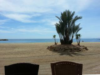 LIGHT, AIRY & SPACIOUS APT, BALCONY & CASTLE VIEW - Aguilas vacation rentals