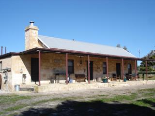 Mnt Dutton Bay Heritage Cottage - Mount Dutton Bay Cottage - Coffin Bay vacation rentals