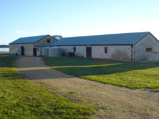 Mnt Dutton Bay Hostel - Mount Dutton Bay Hostel - Group Accommodation - Coffin Bay vacation rentals
