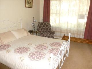 Schultz Farm B&B Quandong Farm - Home Hosted Double - Cowell vacation rentals