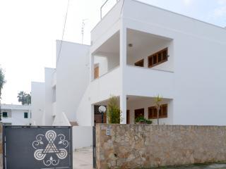 Gallipoli Appartamento in Via delle Acacie - Baia Verde vacation rentals