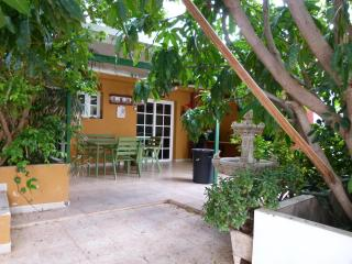 Nice House with Balcony and Linens Provided - San Andres vacation rentals