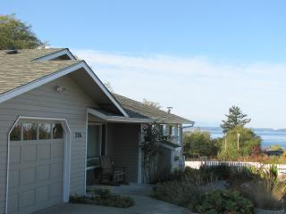 Amazing Sunsets - Two View Master Suites - Greenbank vacation rentals