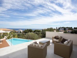 VILLA PORTO CRISTO 360 VIEW + POOL - Porto Cristo vacation rentals