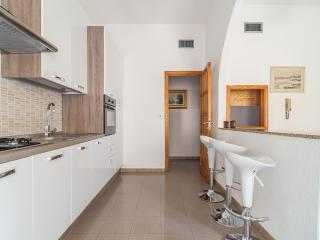 Nice Condo with Internet Access and A/C - Cagliari vacation rentals