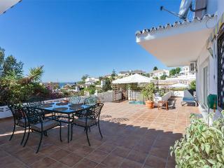 villa + studio, 300 M plage, idéal famille - Benalmadena vacation rentals