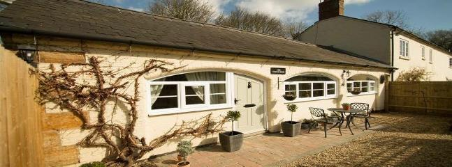 The Coach House - Self Catering Cottage - Bugbrooke vacation rentals