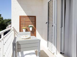 Cozy 1 bedroom Apartment in Bol - Bol vacation rentals