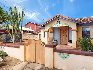 Vibrant House in Carlsbad – 3 Bedroom Suites, 6 Blocks from the Beach - Carlsbad vacation rentals