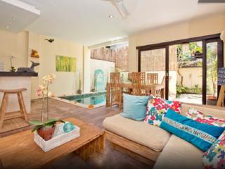 Hidden Gem LOVE VILLA 3 - Double Six Surf Beach Legian Seminyak - Legian vacation rentals