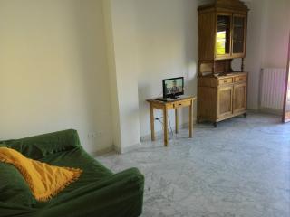 2 bedroom Apartment with Short Breaks Allowed in Pisa - Pisa vacation rentals