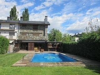 Spacious 6 bedroom La Seu d'Urgell House with Dishwasher - La Seu d'Urgell vacation rentals