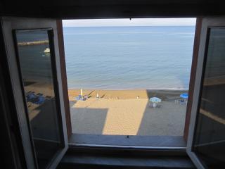 Appartamento sul mare - San Vincenzo vacation rentals
