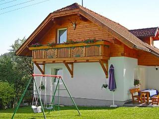 Comfortable 3 bedroom Muldorf House with Dishwasher - Muldorf vacation rentals