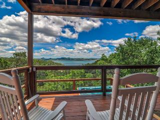 Cozy 3 bedroom House in Canyon Lake - Canyon Lake vacation rentals