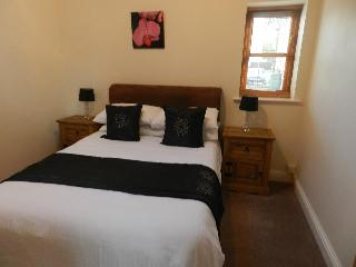 Comfortable 2 bedroom Lodge in Attleborough with Internet Access - Attleborough vacation rentals
